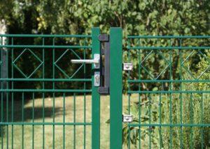 Gartenzaun mit Karo Dekor inkl. passendem Tor